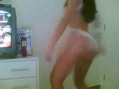 Amadora gostosa dançando funk carioca