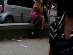 Flagra real do casal dando uma foda na  praça
