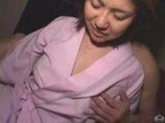 Esposa asiática linda deixa filmar a foda