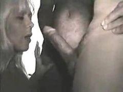 Marido filma a esposa mamando varios machos
