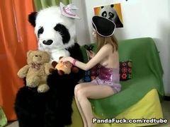 Safada faz sexo com pandinha