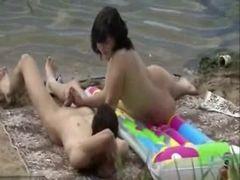 Voyeur grava casal transando no mato