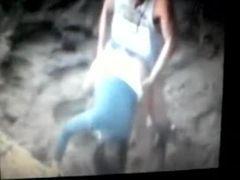 Flagra real dos namorados dando uma rapidinha na praia